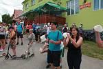 Na 53. ročník dálkového pochodu Zapomenutými kouty Vysočiny se v sobotu 6. července ve Vyklanticích zaregistrovalo a na některou z tras se pak od hospody vydalo 172 turistů.