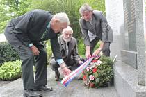 Představitelé Města Pelhřimova uctili památku obětem druhé světové války.