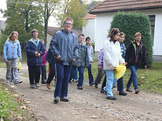 Milovníci přírody vyrazili v sobotu na pochod černovickou krajinou.