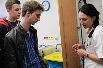 I letos pelhřimovská nemocnice pozvala na návštěvu studenty z gymnázií z Pelhřimova, Humpolce a Pacova.
