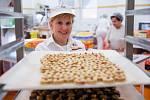 Výroba vánočního cukroví v pekárně Adélka v Pelhřimově. Věra Bartáková.