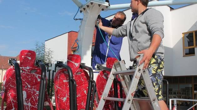Aquazorbing, přetáčecí klece, autodrom či labutě. Pelhřimov opět po roce hostí tradiční pouť, která se koná u příležitosti svátku sv. Bartoloměje.
