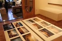 Do konce října potrvá v pelhřimovské Galerii M prodejní výstava umělců Zdeňka a Ondřeje Jirků, nazvaná Světlo v obrazech.