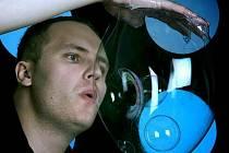 Matěj Kodeš se v Pelhřimově pokusí vylepšit stávající rekord o co nejdelší mýdlovou bublinu