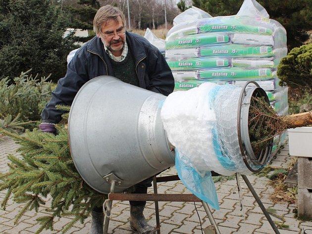 Vánoční stromky prodávají například v Centru pro zahradu, les a volný čas Johanka (na snímku).
