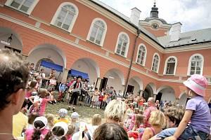 Zámek hostí i unikátní festival Hračkobraní, zaměřený na hračky z přírodních materiálů. Ilustrační foto: