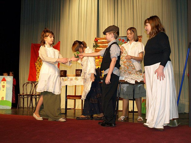 V Pelhřimově se ve čtvrtek konalo okresní kolo Přehlídky dětského divadla.