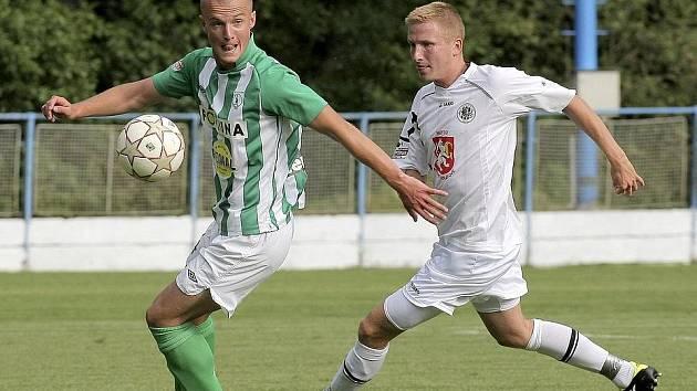 Hráči Bohemians 1905 rozhodli o svém vítězství ve finále Perleťového poháru třemi góly v rozmezí pěti minut. O úvodní trefu se postaral Martin Nešpor (v zelenobílém).