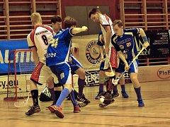 Prohrou začali druhou polovinu základní části I. ligy florbalisté Pelhřimova. Zápas v Karlových Varech rozhodla poslední desetiminutovka.