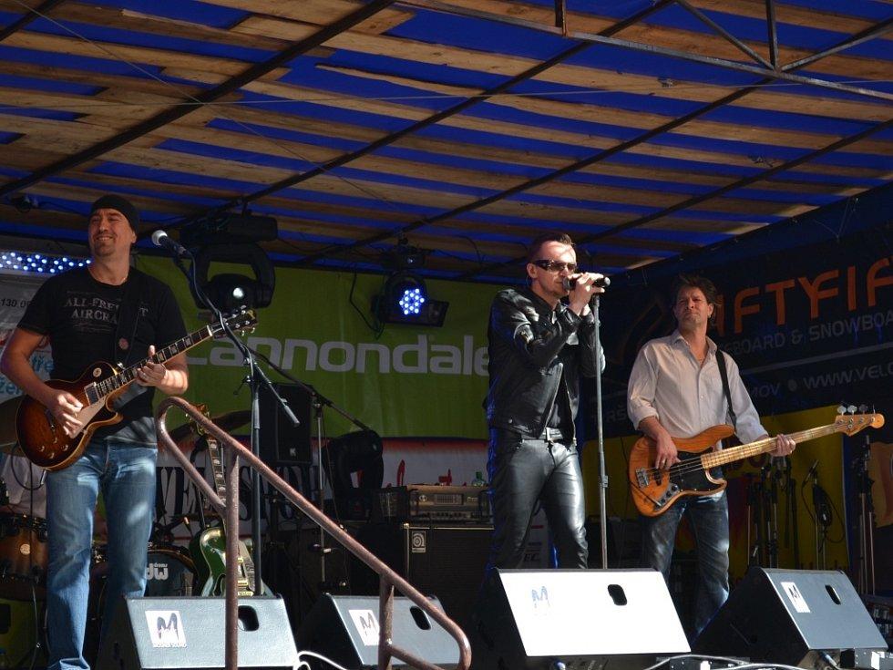 Na Slavnostech města vystoupila kapela U2 Desire Revival Band.