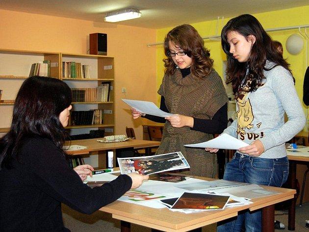 Studenti se na pacovském gymnáziu nejenom učí, ale také baví, a to několika zajímavými workshopy.