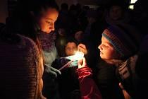 Pelhřimovští si pro Betlémské světýlko přišli do Kalvárie.