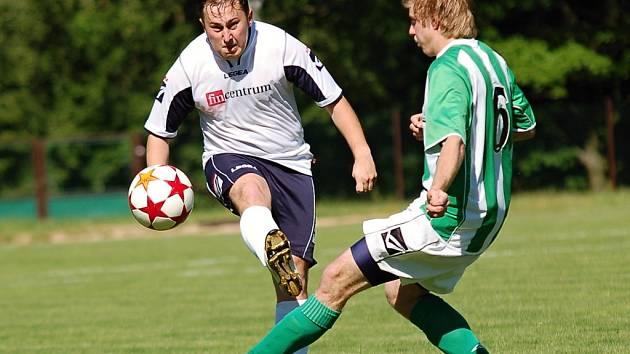 Pět zápasů marně čekali na vítězství fotbalisté Kamenice. Půst pro ně skončil v duelu s Bedřichovem.