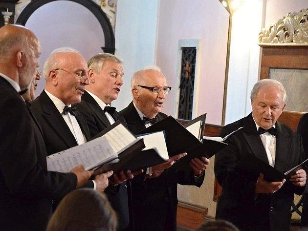 Pěvecké sbory vystoupily v pelhřimovském kostele svatého Víta.
