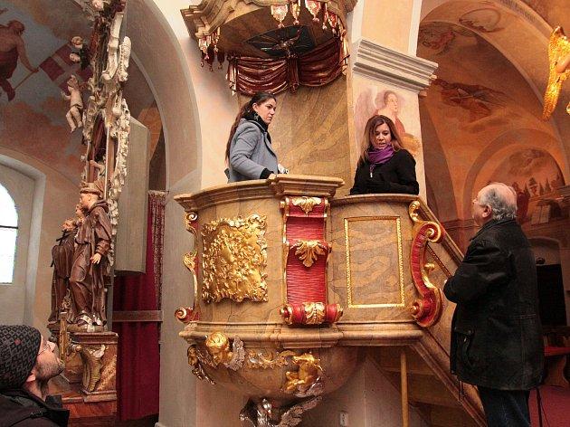 Poutní kostel Nejsvětější Trojice na Křemešníku.