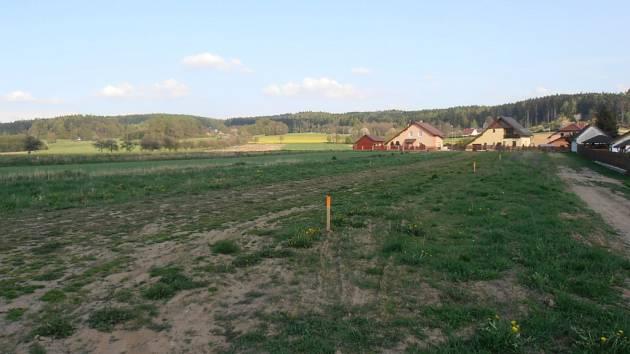 Vyměřování pozemků v Kejžlici