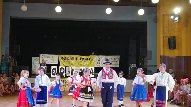 Dětský folklórní spolek Jarabáček.