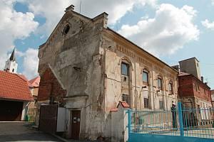 Pacovská synagoga už zve k návštěvě.