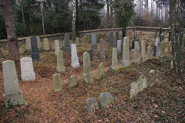 Zapomenutá místa - Židovský hřbitov v Kamenici nad Lipou