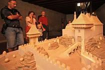 Na hrad Kámen zamíří každý rok spousty návštěvníků. Památku si mohou prohlédnout nejen ve dne, ale také v noci.