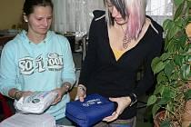Pracovnice pelhřimovské charity až do 20. ledna přijímají vyřazené autolékárničky.