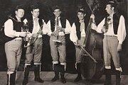 1973 – Dudácká muzika souboru Stražišťan v podání (zleva) Františka Zajíce, Karla Papeže, Františka Papeže, Oldřicha Šlížka a Miroslava Strnada.