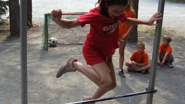 V tomto týdnu si užívají tábora Želivka mladí kutnohorští sportovci. Na den plný soutěží se příští sobotu mohou těšit i postižení.