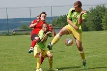 Fotbalisté Velké Chyšky sousedské derby zvládli. Na hřišti favorizovaného Lukavce po bojovném výkonu remizovali 2:2. Klíčová bitva o záchranu je ale čeká o víkendu, kdy budou hostit Petrovice.