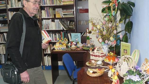 Výstava velikonočních výrobků z pedigu.