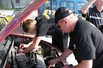 Specialisté kontrolovali kondici vozů. Mnohdy byla kritická