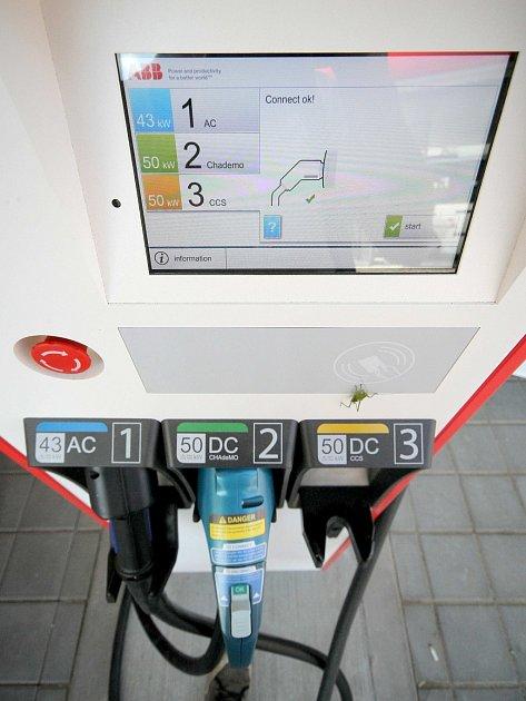 Rychlonabíjecí stanice v Třebíči je na několik měsíců zdarma