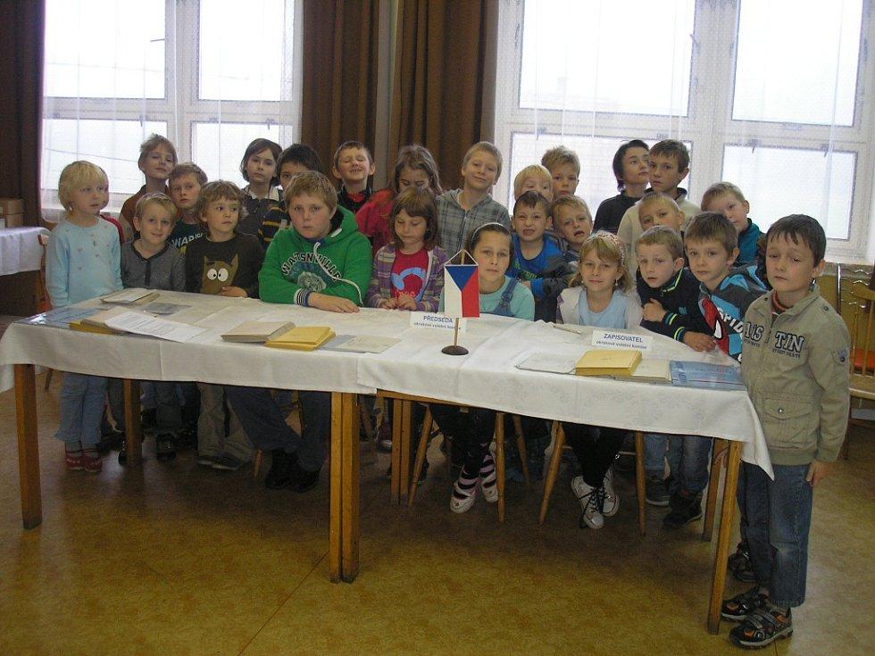 Děti si v Olešné zahrály na voliče.