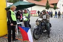 Už čtrnáctý ročník závodu nesoucí název Mezinárodní veterán rallye historických motocyklů s názvem Pacovský okruh ovládl v sobotu Pacov. Trať dlouhou 32 kilometrů letos zdolalo přes 70 závodníků.