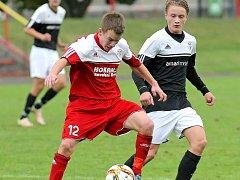 Ve druhé půli Bystřice (v červeném) vstřelila Pelhřimovu (v černém) dva góly a zvítězila 2:0.