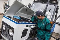 Křest repasovaného traktoru při projektu Postav si svůj traktor na SPŠ a SOU Pelhřimov, pracoviště Kamenice nad Lipou.