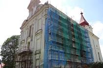 Oprava kostela v Nové Cerekvi