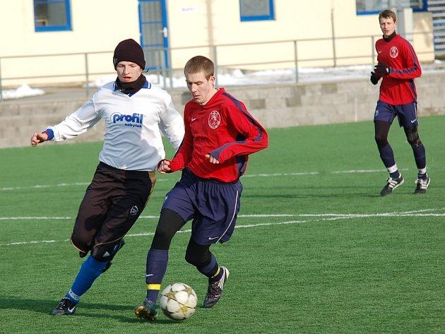 Po dlouhých týdnech přípravy sehrají konečně zápas o body i fotbalisté Žirovnice. Proti Náměšťi-Vícenicím budou hrát v neutrálním prostředí v Třebíči.