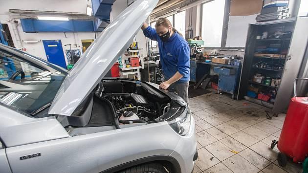 Povinné nošení roušek v autoservisu Auto Eurodiesel Jihlava.
