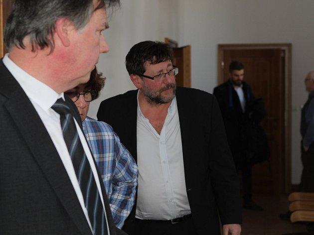 Sexuolog Petr Weiss u odvolacího soudu v Táboře 21. března 2018.