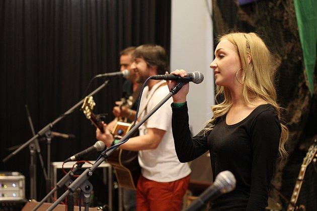Ve Lhotě-Vlasenici se v sobotu uskuteční jednapadesátý ročník hudebního festivalu Porta.