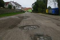 Nádražní ulice v Žirovnici.