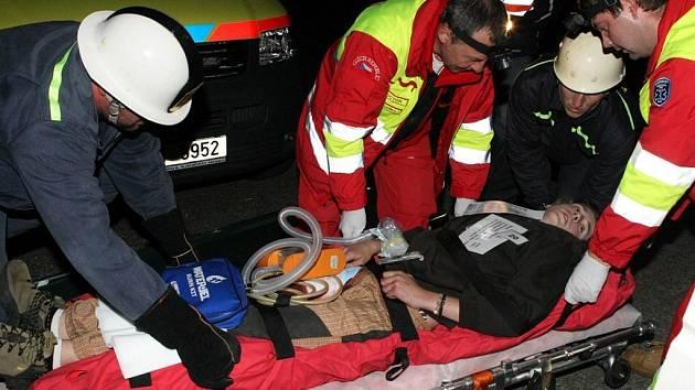 Cvičení hasičů a záchranářů v Červené Řečici.