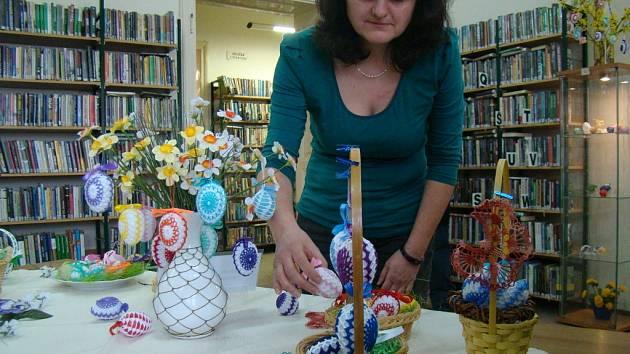 Výstava Marie Dojavové z Pelhřimova je v těchto dnech k vidění v humpolecké knihovně.