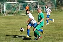 Fotbalisté Červené Řečice potvrdili první příčku v tabulce Poutník ligy vysokým vítězstvím nad béčkem Žirovnice.