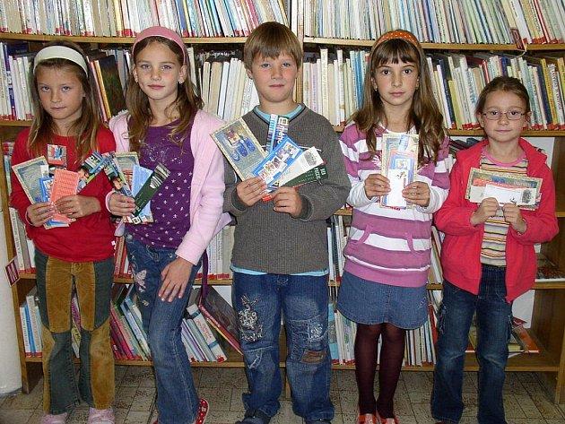 Ocenění za pečlivé psaní čtenářského deníku se dočkali také žáci ze současné 2.A.