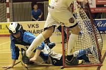 Florbalisté Pelhřimova hlavně vinou zranění brankáře Venkrbce dostali v posledním kole základní části krutou lekci, když od Ústí nad Labem inkasovali patnáct gólů.