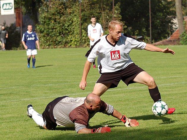 Favorizované Jiřice měly v Lukavci navrch jen v úvodu. To ale domácí podržel brankář David Ludvík. Pak převzal aktivitu domácí Start a zápas dovedl k vítězství 3:0. Rozhodně se nejedná o naplnění papírových předpokladů.