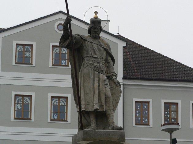 Sochu sv. Václava  zrestauroval akademický sochař  a restaurátor Jan Vodáček ze Žirovnice.