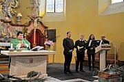 Na programu byl průvod městem i mše v kostele Všech svatých.