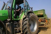 Zemědělci využili téměř letního počasí k setí obilovin.